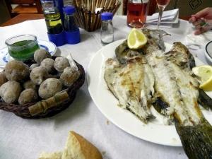 Papas arrugadas e pesce da Gonzalo